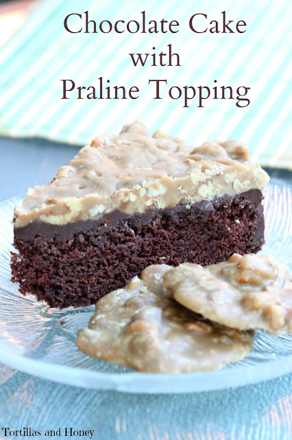 Chocoalte Cake with Praline Topping 01